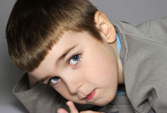Stilig pojke Fotografering för Bildbyråer