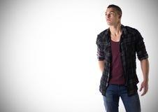Stilig ung man med t-skjortan och den rutiga skjortan Arkivfoton