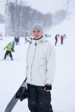 Stilig ung snowboarder Arkivfoton