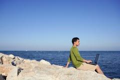 stiligt barn för strandaffärsmandator fotografering för bildbyråer