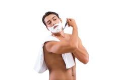 Stiligt raka för man som isoleras på vit bakgrund royaltyfri fotografi