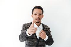Stiligt ungt afrikanskt peka för man Royaltyfria Foton