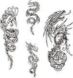 Stiliserade drakespiraltatueringar stock illustrationer