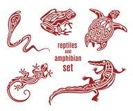 Stiliserade reptilar och amfibisk symbolsuppsättning Royaltyfri Illustrationer