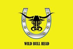 Stiliserat svart tjurhuvud & metallisk hästsko stock illustrationer