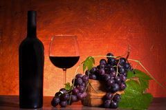 Still Life With Bottle Of Wine And Grapes Royalty Free Stock Images