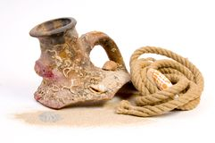 Still-life with brocken amphora and rope Stock Photography
