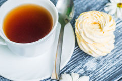 Still life with cup of tea and cake Royalty Free Stock Photos