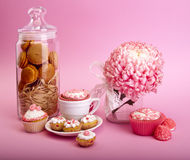 Still life of cupcakes with flower Royalty Free Stock Photography