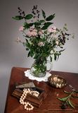 Still life with flowers and jewels Royalty Free Stock Images