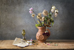 Still life of the letter and flowe Royalty Free Stock Photography