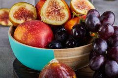 Free Still Life Of Grapes, Peaches, Figs On A Gray Background Stock Images - 154341004