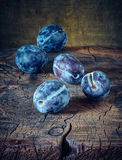 Still life with plums Royalty Free Stock Images