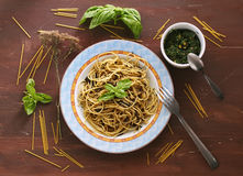 Still life with spaghetti and pesto Royalty Free Stock Photography