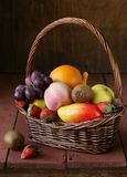 Still life wicker basket with fruit Royalty Free Stock Photography