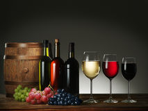 Still-life with wine and grapes. Royalty Free Stock Photos