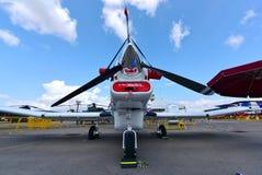Stillahavs- enkel turbopropmotornivå för rymd P-750 XSTOL på skärm på Singapore Airshow Royaltyfria Bilder