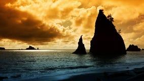 Stillahavs- nordvästlig kust- solnedgång Arkivbild