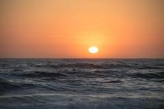Stillahavs- solnedgång för hav Royaltyfri Foto