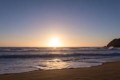 Stillahavs- solnedgång för hav Arkivbild