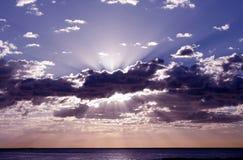 Stillahavs- soluppgång arkivbild