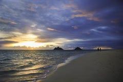 Stillahavs- soluppgång i hawaii Arkivbild