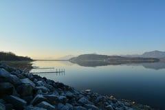 Stille durch den See Lizenzfreies Stockbild