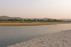 Stille Rivier in Nepal stock foto