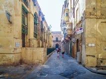 Stille straten van de hoofdstad van Malta - Valletta Felix Street royalty-vrije stock foto's