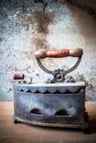 Stilleben av antikt järn arkivfoto
