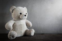 Stilleben av en gullig nallebjörn Royaltyfri Bild