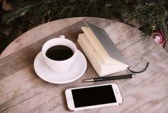 Stilleben för kontor för kaffetelefonanteckningsbok Fotografering för Bildbyråer