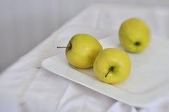 Stilleben med äpplen Fotografering för Bildbyråer