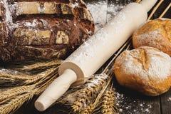 Stilleben med bröd Arkivfoto