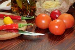 Stilleben med chili Arkivfoton
