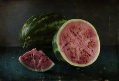 Stilleben med den mogna och röda vattenmelon Arkivfoton