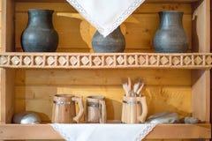 Stilleben med gamla hushållobjekt royaltyfri bild