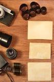 Stilleben med gammal fotografiutrustning Royaltyfri Foto
