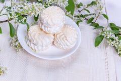 Stilleben med marshmallower Royaltyfria Bilder