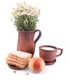 Stilleben med mjölkar äpplet och bröd Fotografering för Bildbyråer