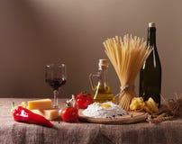 Stilleben med pasta fotografering för bildbyråer