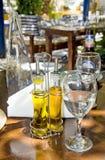 Stillebenet av den grekiska tavernaen Royaltyfria Foton