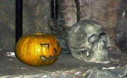 Stillebenskalle med pumpabegreppet halloween Royaltyfri Fotografi