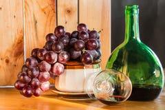 Stillebenvin och druvor Royaltyfri Bild