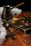 Stilleven, de tak van de kersentomaat, brood, vork Stock Foto