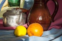 Stilleven en Voorwerpen van het Leven en Fruit Stock Foto's