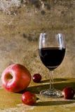 Stilleven met fruit en wijn Stock Afbeeldingen