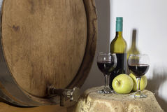 Stilleven met glazen wijn stock afbeelding