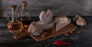 Stilleven met kaas stock afbeeldingen