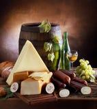 Stilleven met kaas en wijn Stock Foto's